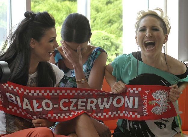 """Karolina Gorczyca, Agata Konarska i Magda Steczkowska na planie klipu """"0:1 dla niej"""" /AKPA"""