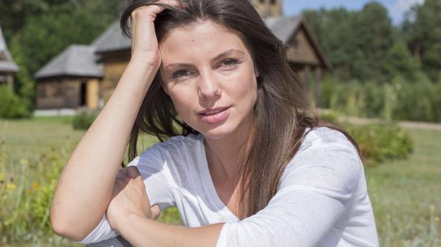 """Karolina Gorczyca na planie serialu """"To nie koniec świata"""" / fot. Michał Baranowski /AKPA"""