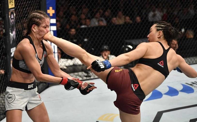 Karolina Kowalkiewicz w brutalnej walce z Xiaonan Yan /Getty Images /Getty Images