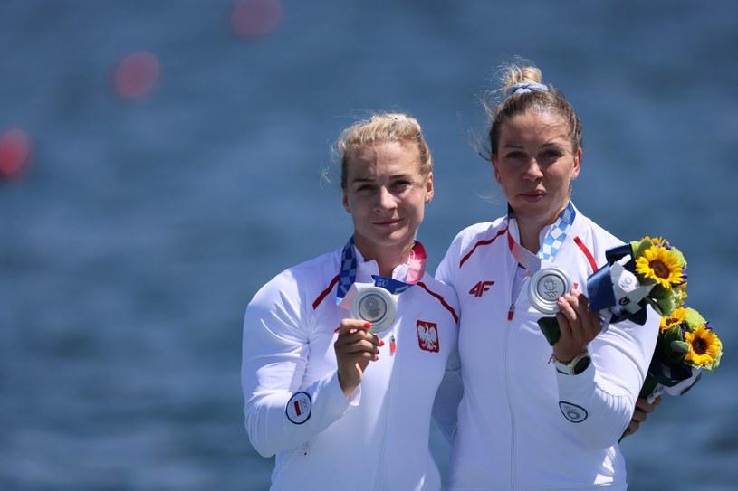 Karolina Naja (z lewej) i Anna Puławska na podium / Leszek Szymański    /PAP