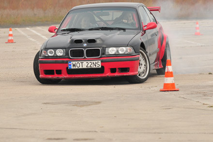 Karolina Pilarczyk i jej BMW /