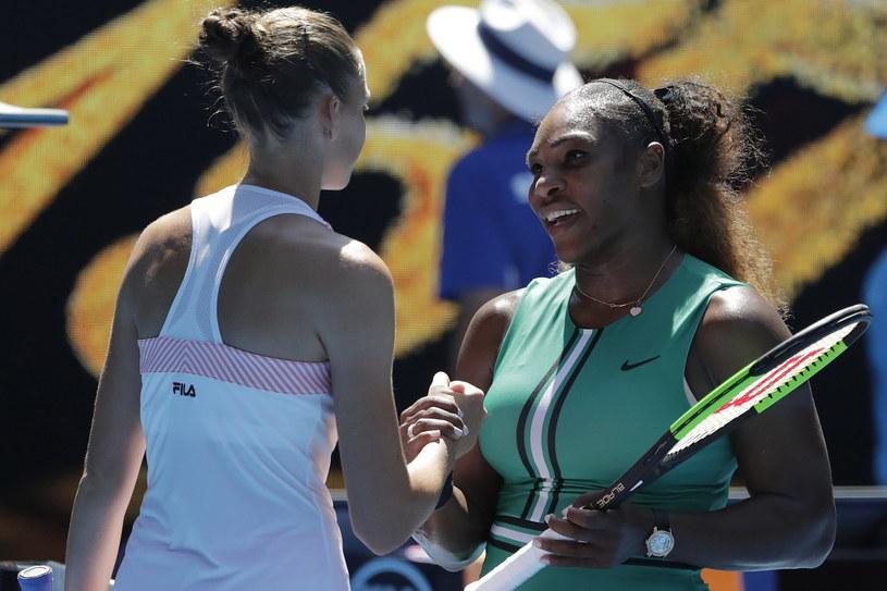 Karolina Pliszkova (z lewej) i Serena Williams /AFP