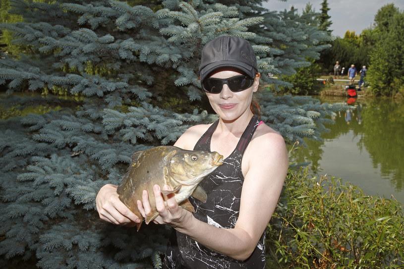 Karolina potrafi łowić niezłe ryby /- /AKPA