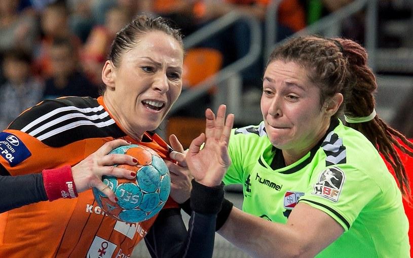 Karolina Semeniuk-Olchawa (z lewej) rzuciła 9 goli /Fot. Maciej Kulczyński /PAP
