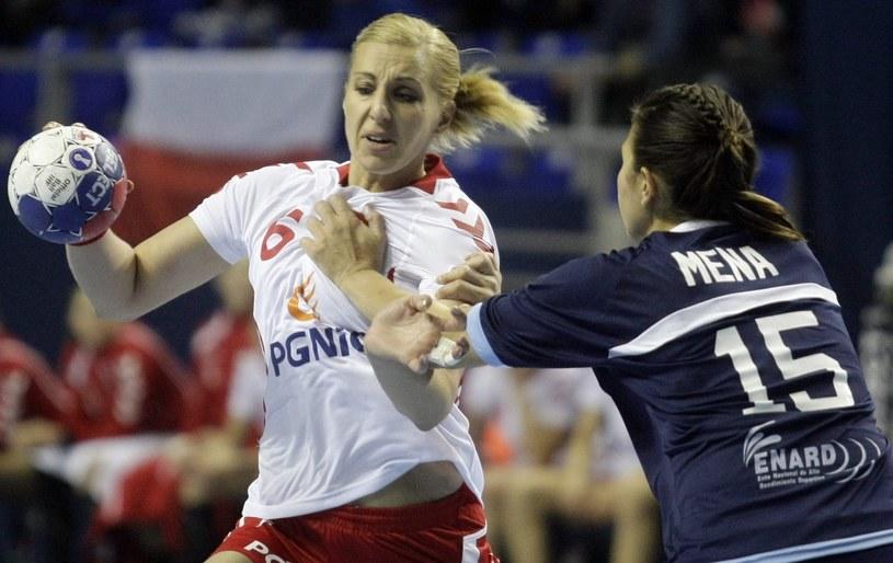 Karolina Siódmiak (z lewej) w meczu z Argentyną /PAP/EPA