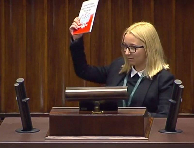 Karolina Wójcicka w trakcie swojego przemówienia /Janusz Jaskółka /YouTube