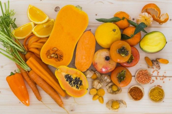 Karotenoidy w lecznictwie /© Photogenica