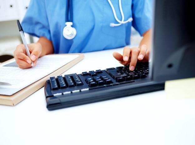 Karta pacjenta ma zastąpić druk RMUA /© Panthermedia
