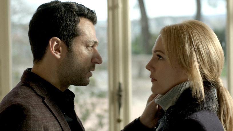 Kartal (Murat Yildirim) i jego ukochana Selin (Meryem Uzerli) /materiały prasowe