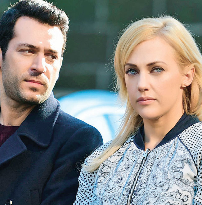 Kartal (Murat Yildirim) i jego ukochana Selin (Meryem Uzerli) /Świat Seriali