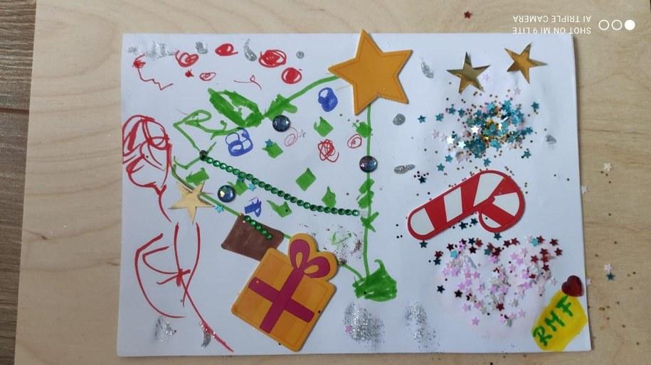 Kartka przygotowana przez 2,5-letnią Liwię z pomocą Mamy /
