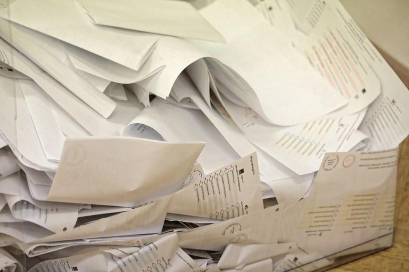 Karty do głosowania /Tomasz Gzell   /PAP