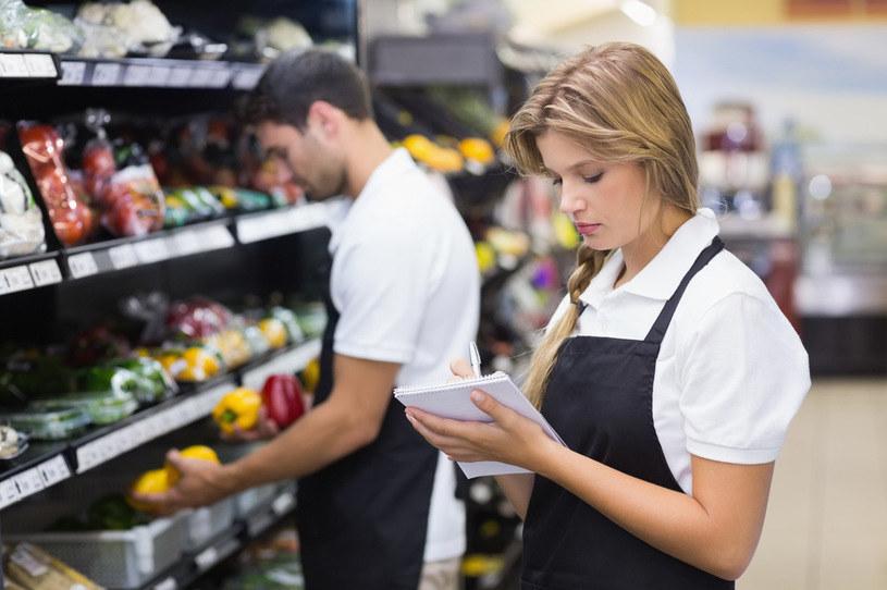 Kasa online również w sklepie spożywczym /123RF/PICSEL