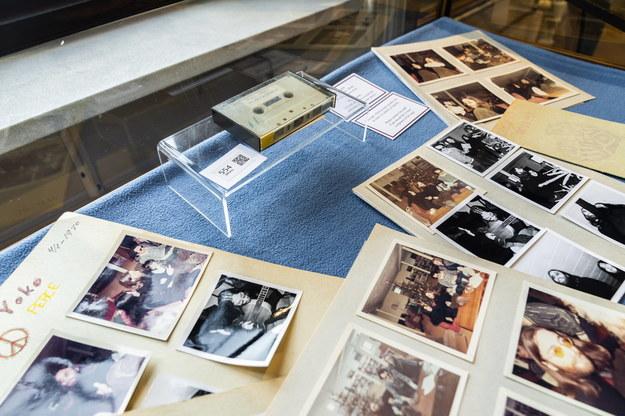 Kaseta z nagraniem z Johnem Lennonem i Yoko Ono. /Ida Marie Odgaard  /PAP/EPA
