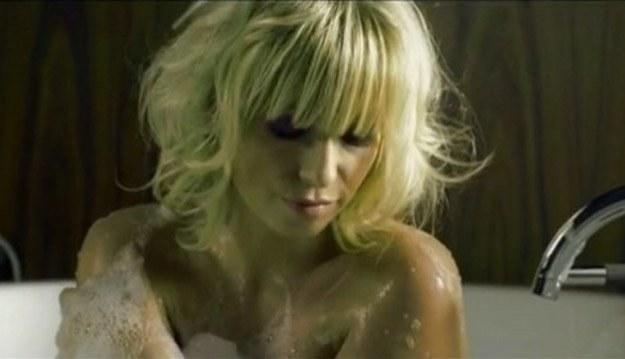 """Kasia Cerekwicka na planie klipu """"Książę"""" /Sony Music"""
