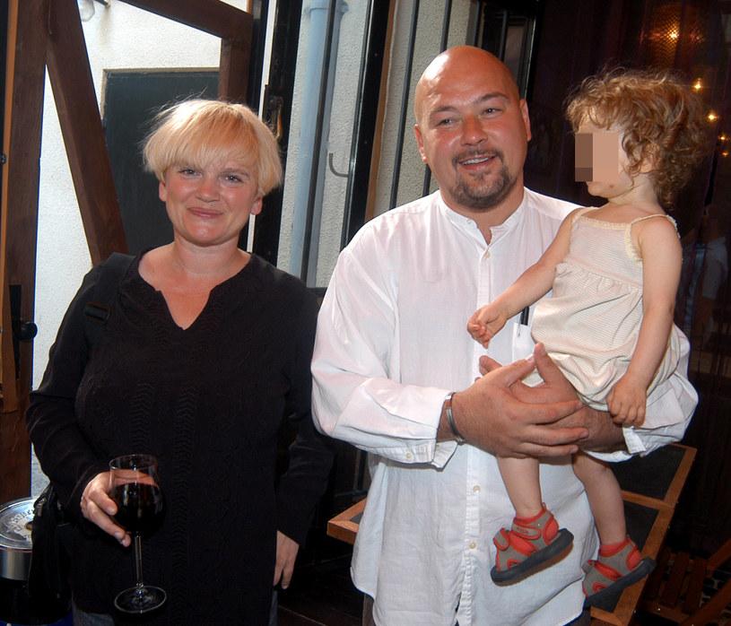 Kasia Figura i Kai Schoenhals pobrali się w maju 2000 roku. Wesele odbyło się w Dolinie Chochołowskiej - na uroczystości bawiło się aż 250 gości. Małżonkowie doczekali się dwóch córek: Koko (19 l.) i Kaszmir (16 l.). Zdjęcie archiwalne /Warda /AKPA