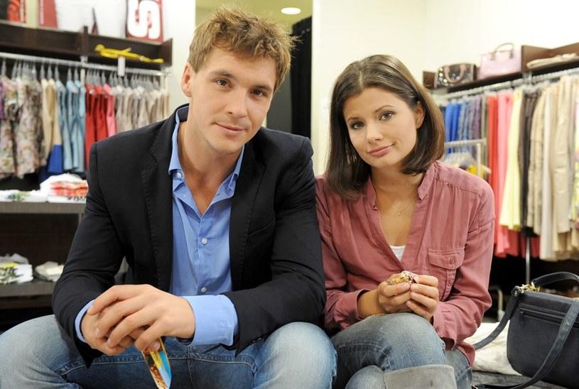 Kasia i Marcin kochają się, ale mają odmienne poglądy na najważniejsze sprawy... /Agencja W. Impact