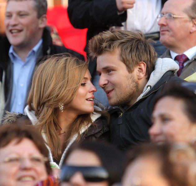 Kasia i Staszek już wkrótce zdecydują się na zalegalizowanie swojego związku? /Engelbrecht /AKPA