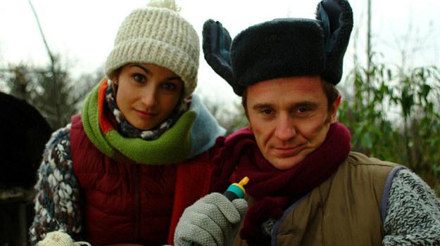 Kasia (Joanna Brodzik) i Tomek (Paweł Wilczak) bardzo się różnią, ale właśnie w tym tkwi sekret ich udanego związku. /Prończyk /AKPA