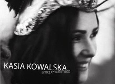 """Kasia Kowalska na okładce płyty """"Antepenultimate"""" /"""