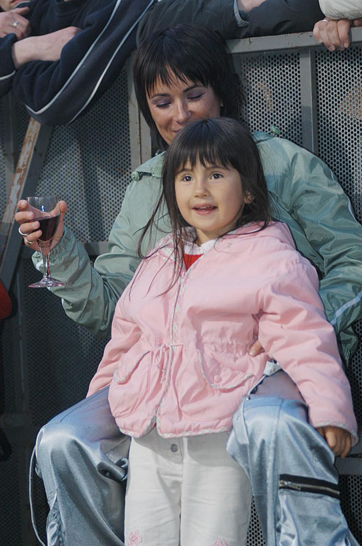 Kasia Kowalska z córką, 2003 rok /Prończyk /AKPA