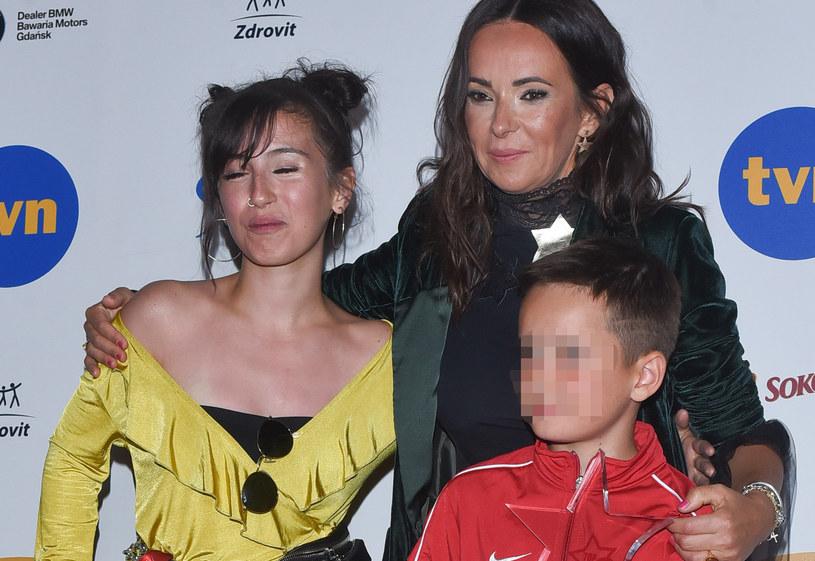 Kasia Kowalska z córką i synem /Andras Szilagyi /MWMedia