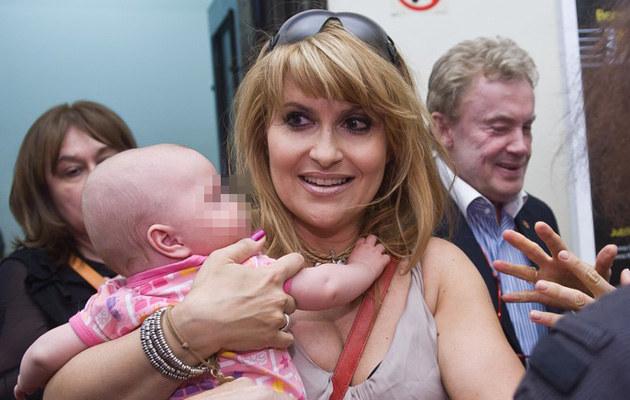 Kasia Skrzynecka z córką Alikią Ilią /Bartosz Krupa /East News