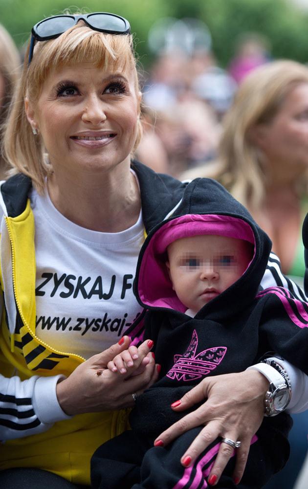 Kasia Skrzynecka z córką /Łukasz Dejnarowicz /Agencja FORUM