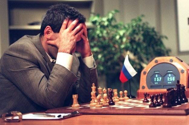 Kasparow przegrał w Deep Blue w wyniku błędu maszyny? /AFP