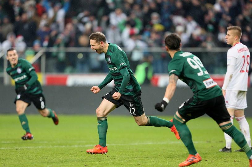 Kasper Hämäläinen (w środku), który strzelił jedynego gola z Górnikiem, jak i jego koledzy znowu są w treningu /Leszek Szymański /PAP