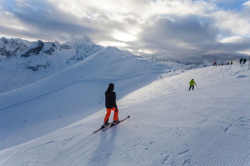 Kasprowy Wierch, turyści korzystają z uroków zimy /Reporter