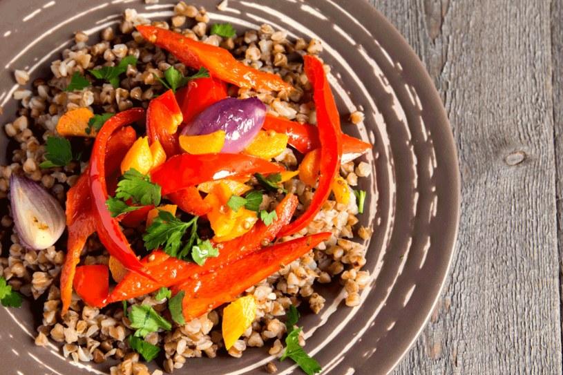 Kaszotto na pieczonych warzywach /123RF/PICSEL
