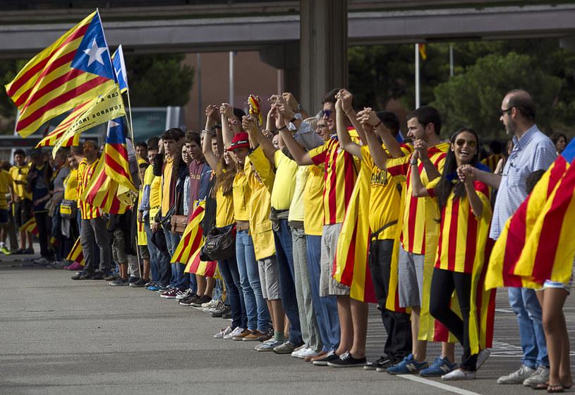 Kataloński łańcuch rąk z okazji święta narodowego /AFP