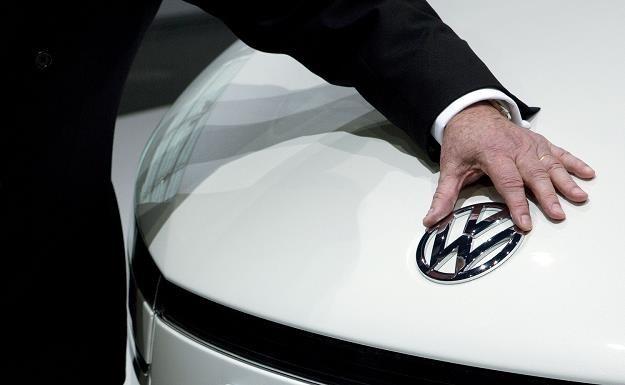 Katar stracił miliardy dolarów na skandalu w Volkswagenie /AFP