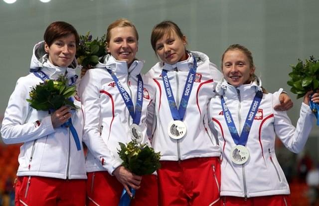 Katarzyna Bachleda-Curuś, Natalia Czerwonka, Katarzyna Woźniak i Luiza Złotkowska ze srebrnymi medalami /Grzegorz Momot /PAP