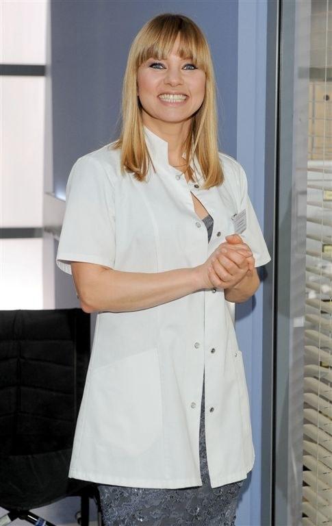 """Katarzyna Bujakiewicz jako sylwia Matysik w """"Lekarzach"""" /Agencja W. Impact"""