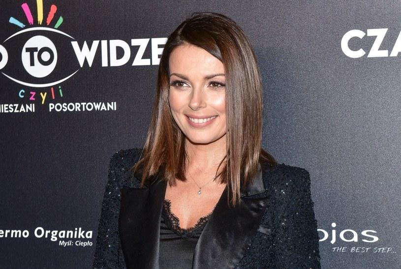 """Katarzyna Glinka na premierze spektaklu """"Czarno to widzę, czyli wymieszani, posortowani"""" /Piotr Fotek /Reporter"""