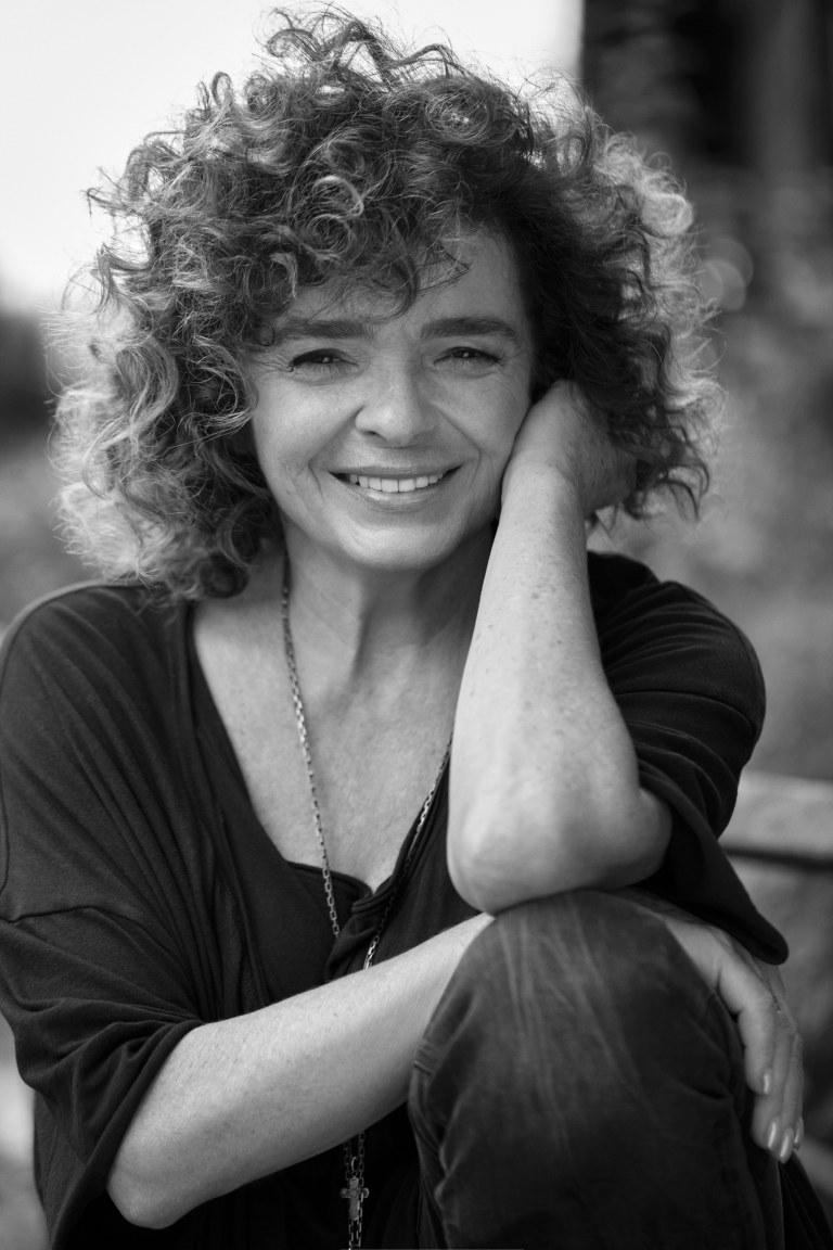 Katarzyna Grochola opowiada o nowej książce, pierwszej płycie i wielkiej miłości /materiały prasowe