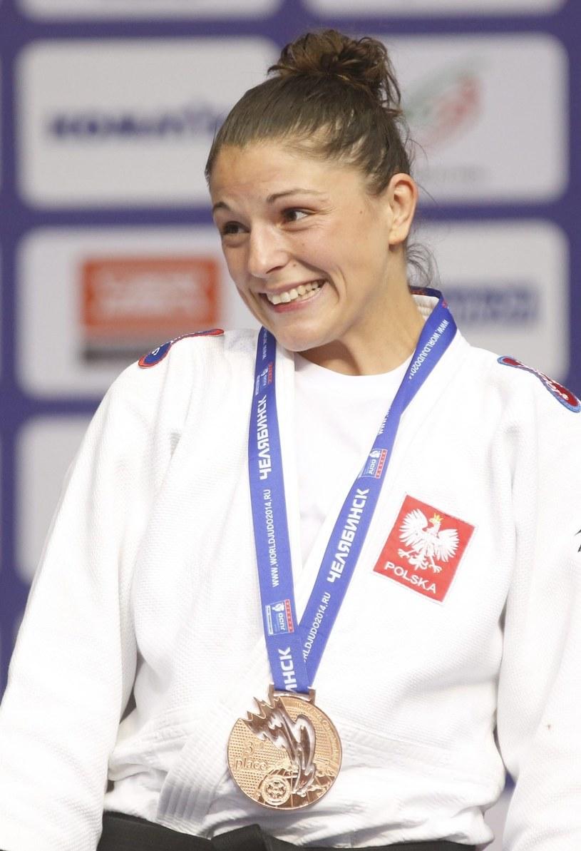 Katarzyna Kłys z medalem /PAP/EPA