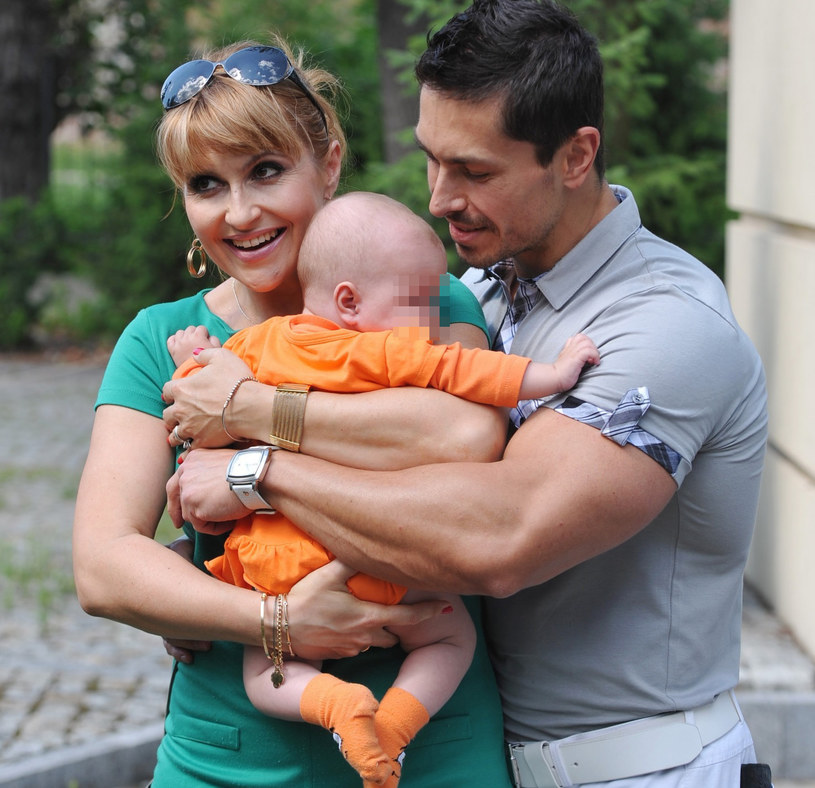 Katarzyna Skrzynecka i Marcin Łopucki z córką, zdjęcie archiwalne /Przemysław Jach /East News