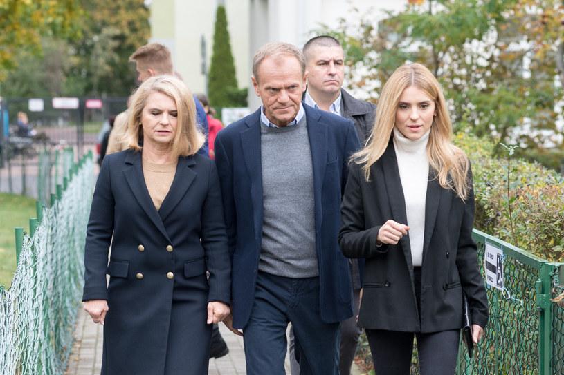 Katarzyna Tusk z rodzicami Małgorzatą i Donaldem Tuskiem /Wojciech Stróżyk /Reporter