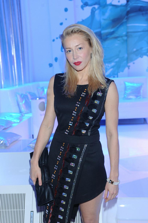 """Katarzyna Warnke udowadnia, że """"mała czarna"""" nie musi być nudna /Fot. Michal Wargin  /East News"""