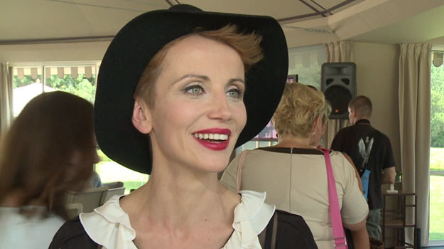 """Katarzyna Zielińska dołączyła do ekipy serialu """"Przyjaciółki"""" /Newseria Lifestyle"""