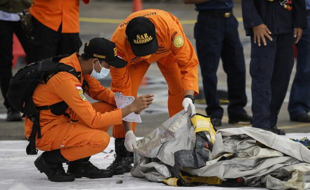 Katastrofa Boeinga w Indonezji. Z morza wyłowiono fragmenty ciał