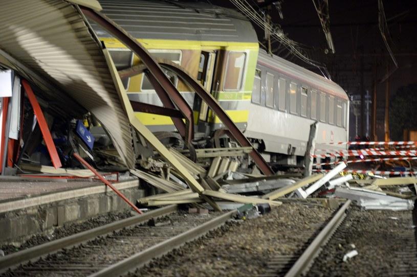 Katastrofa kolejowa pod Paryżem /PAP/EPA