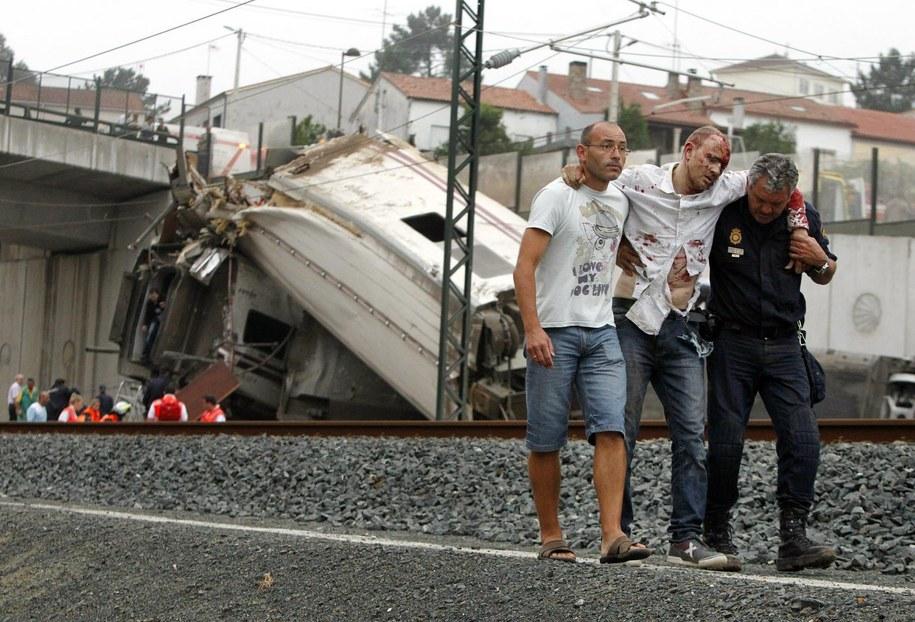 Katastrofa kolejowa w Hiszpanii /LA VOZ DE GALICIA    /PAP/EPA
