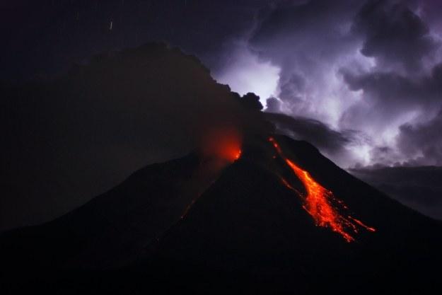 Katastrofa może się wydarzyć w każdej chwili /AFP