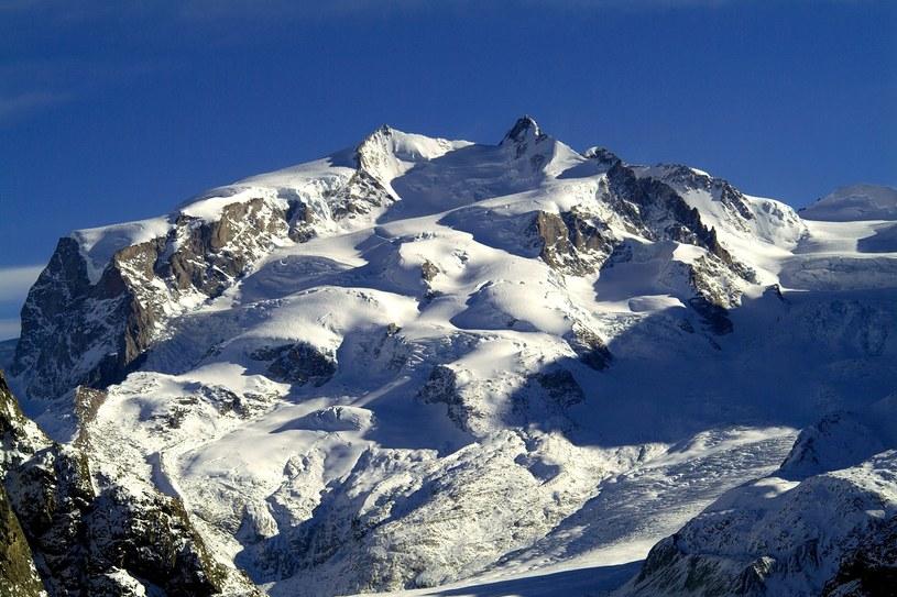Katastrofa niewielkiego samolotu w szwajcarskich górach, zdj. ilustracyjne /Cubo Images /East News