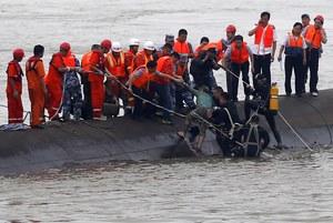 Katastrofa promu: Odnajdywane są kolejne ciała