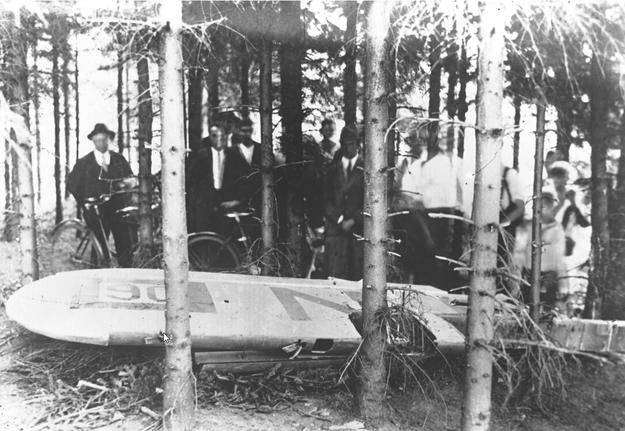 Katastrofa samolotowa pod Cierlickiem Górnym koło Cieszyna, w której zginęli porucznik Franciszek Żwirko i inżynier Stanisław Wigura /Z archiwum Narodowego Archiwum Cyfrowego